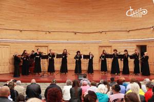 8 мая на летней эстраде Приморского бульвара прошел многочасовой концерт с участием творческих коллективов Севастопольского центра культуры и искусств.