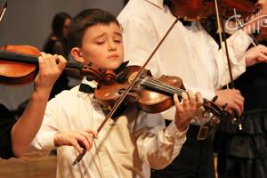 Юбилейный музыкальный конкурс юных дарований открылся в СЦКиИ