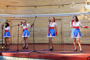 Севастопольские чайки: мирской подарок в честь христианского праздника