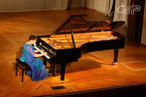 90-летняя пианистка-виртуоз Мария Гамбарян выступила в СЦКиИ