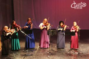 В СЦКиИ поздравили женщин-ветеранов с 8 марта