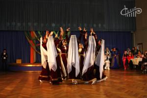 Крымскотатарские артисты СЦКиИ отпраздновали национальный праздник большим концертом