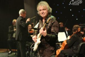 «Это – моя музыка». Классика рока и гитарист-самородок Владимир Бурхель