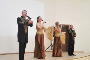 Артисты СЦКиИ выступили в доме-интернате