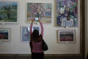 Художественная выставка «Весенняя рапсодия»