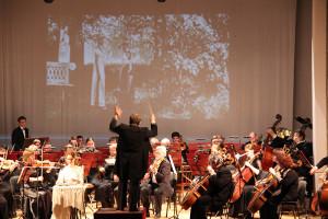 Оркестр Крымской филармонии встречал весну  в СЦКиИ