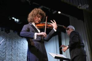 Матвей Блюмин и Севастопольский симфонический оркестр выступили в СЦКиИ