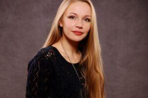 Поздравляем с днем рождения Кристину Прислонову!