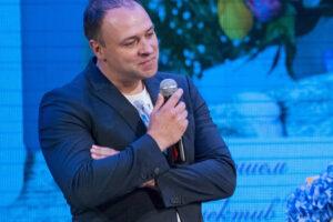 Поздравляем с днем рождением заслуженного артиста Украины и Республики Крым Василия Ковальского!