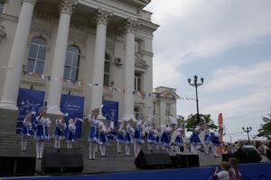 «Черное море» и «Мюзики» выступили в День города Севастополя